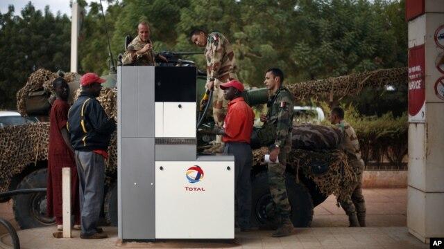 Fransuz qo'shinlari Malida, 25-yanvar, 2013-yil.