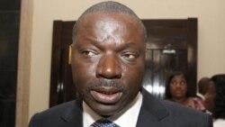 """9 Fev AFS Bento Kangamba: """"Governo não pode forçar empresários a repatriar dinheiro"""""""