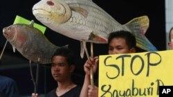Tổ chức Sông Quốc tế nói cần phải đình chỉ hai dự án xây đập Xayaburi và đập Don Sahong ngay lập tức.