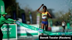 Purity Rionoripo gagne le 41ème Marathon de Paris le 9 avril 2017.