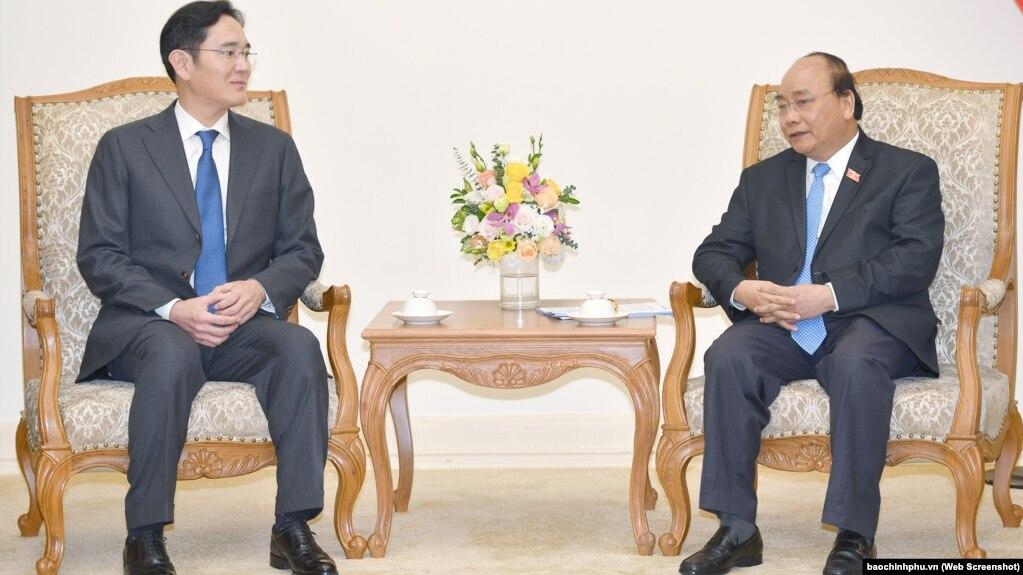 Thủ tướng Nguyễn Xuân Phúc tiếp Phó Chủ tịch Samsung Lee Jae-young tại Hà Nội ngày 30/10/2018.