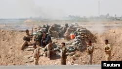 与伊斯兰国交战的库尔德武装