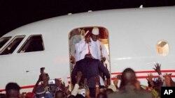 Tsohon shugaban Gambia Yahya Jammeh yana barin kasar