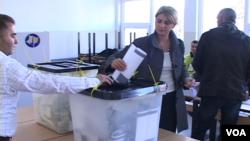 На избирательном участке в Косово