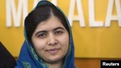 Malala Yusufzoy, 18 yoshda, Britaniyada yashaydi