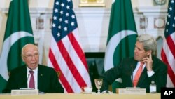 سرتاج عزیز برای بررسی روابط پاکستان با ایالات متحده امریکا به واشنگتن سفر کرده است.