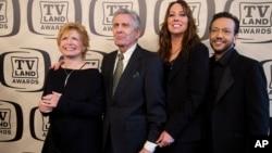 FILE - Bonnie Franklin, Pat Harrington Jr., Mackenzie Phillips and Glenn Scarpelli arrive to the TV Land Awards 10th Anniversary in New York, April 14, 2012.