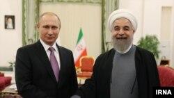 دیدار ولادیمیر پوتین رئیس جمهوری روسیه با حسن روحانی رئیس جمهوری ایران در تهران - ۲ آذر ۱۳۹۴