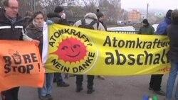 اعتراضات در مورد ورود قطار فرانسوی حامل ضايعات هسته ای به آلمان