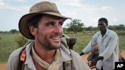 «لویسون وود» در یکی از سفر هایش در آفریقا و به سمت سر چشمه رود نیل.