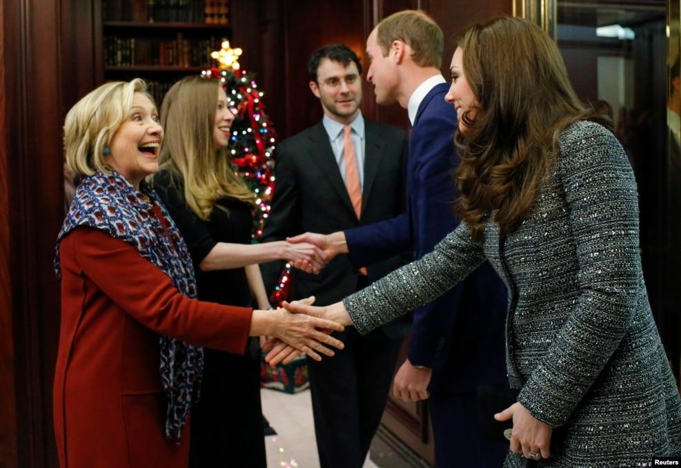 希拉里·克林顿和女儿、女婿会见英国王子威廉和夫人