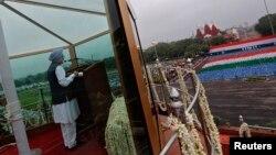 PM India Manmohan Singh menyampaikan pidato dalam perayaan Hari Kemerdekaan India di New Delhi (15/8).