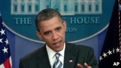 سهرۆک ئۆباما له کۆنفرانسێـکی ڕۆژنامهوانی له کۆشـکی سـپی، ههینی 15 ی حهوتی 2011
