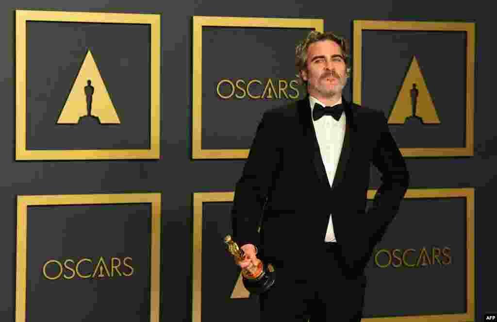 حسبِ توقع بہترین اداکار کا ایوارڈ واکین فینکس کے نام رہا۔ انہوں نے یہ اعزاز فلم 'جوکر' میں اداکاری کے عوض حاصل کیا۔ اس فلم کو سب سے زیادہ نامزدگیاں حاصل ہوئی تھیں۔