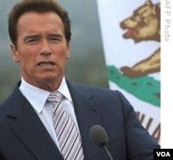 Gubernur California Arnold Schwarzenegger tidak dapat lagi mencalonkan diri.