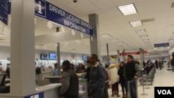 10 estados en Estados Unidos, incluyendo Maryland otorgan licencias de conducir a inmigrantes indocumentados siempre y cuando cumplan con una serie de requisitos.