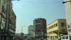 """""""Revus"""" planieam manfiestação em Luanda - 1:11"""