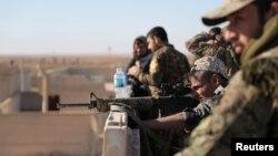 AQSh tomonidan quvvatlangan suriyalik jangchilar, Raqqa shahri shimolida