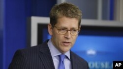 18일 백악관에서 미트 롬니 후보의 발언에 대한 입장을 밝히는 제이 카니 백악관 대변인.
