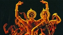 Dancers with the Odissi Vision and Movement Centre