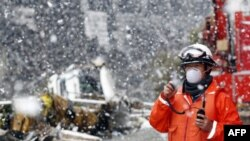 Yaponiyanın şimal bölgəsinə yağan qar yardım işlərini çətinləşdirib