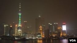 上海摩天大楼的发展蓬勃,著名高楼有上海环球金融中心和东方明珠广播电视塔(资料照片)