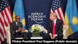 Abaperezida Donald Trump w'Amerika na Paul Kagame ubwo baheruka guhura mu 2018 mu Busuwisi
