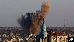 Al menos 20 palestinos han muerto desde que las conversaciones de alto el fuego en El Cairo se derrumbaron.