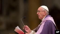 Le pape François au Vatican, le 4 mars 2016. (AP Photo/Alessandra Tarantino)