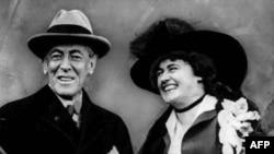 Президент США Вудро Вильсон с супругой Эдит Боулинг Вильсон (архивное фото)