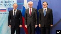 Владимир Путин, Херман Ван Ромпей и Жозе Мануэл Баррозу (архивное фото)