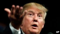 Kandidat calon presiden dari Partai Republik Donald Trump berbicara di hadapan para pendukungnya di Des Moines, Iowa, bulan lalu.