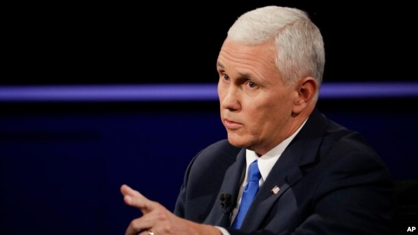 Guvernatori i Indianës Mike Pence i përgjigjet Senatorit Tim Kaine