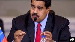 Maduro desmintió que el comandante Hugo Chávez fuera un dictador.