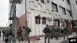 Внаслідок нападу на парламент Чечні загинуло 6 осіб