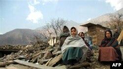 Сильное землетрясение в Индии и Непале