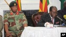 Predsednik Zimbabvea Robert Mugabe govori u Harareu, 19. novembar 2017.
