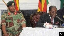 Mukuru wemauto, VaConstantino Guveya Chiwenga nemutungamiri wenyika VaRobert Mugabe
