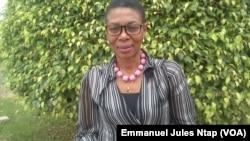 Maximilienne Ngo Mbe, directrice exécutive du REDHAC, l'ONG qui a dénoncé en 2015 les exactions de certains éléments de l'armée camerounaise sur la population dans l'extrême nord du Cameroun, le 17 février 2017, à Yaoundé. (VOA/Emmanuel Jules Ntap)