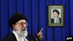 Верховный лидер Ирана аятолла Али Хаменеи (архивное фото)