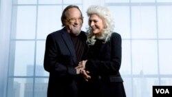 Los cantautores Stephen Stills y Judy Collins celebran cinco décadas de música. Foto cortesía del Centro John F. Kennedy para las Artes Escénicas, Washington, D.C., donde ambos se presentarán juntos el 30 de junio de 2018.