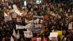 اسراییلی ها در اعتراض به هزینه زندگی دست به تظاهرات زدند. تل آویو، ۳۰ ژوئیه ۲۰۱۱