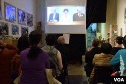香港民間組織舉辦特首選舉電視辯論社區直播。(美國之音湯惠芸攝)