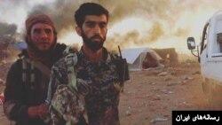 رسانه های ایران این عکس را از محسن حججی منتشر کردند و مدعی شدند این لحظاتی قبل از بریدن سر اوست.