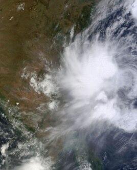 NASA satellite image shows Tropical Cyclone Mahasen in Bay of Bengal May 14, 2013