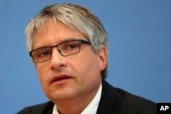 Sven Giegold, kandidat utama Partai Hijau Eropa, menghadiri konferensi pers setelah pemilihan untuk Parlemen Eropa di Berlin, Jerman, Senin, 27 Mei 2019. (Foto AP / Matthias Schrader)
