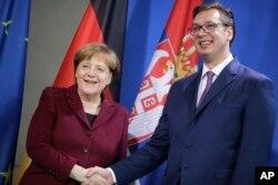 Arhiva - Nemačka kancelarka Angela Merkel i predsednik Srbije Aleksandar Vučić tokom sastanka u Berlinu, 14. marta 2017.
