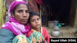 Une réfugiée rohingya et sa fille au Bangladesh, le 3 décembre 2016.