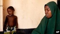 Amina Usman et sa fille, victime des violences post-électorales à Kaduna