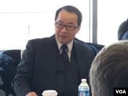 淡江大學教授陳文政 (美國之音鍾辰芳拍攝)